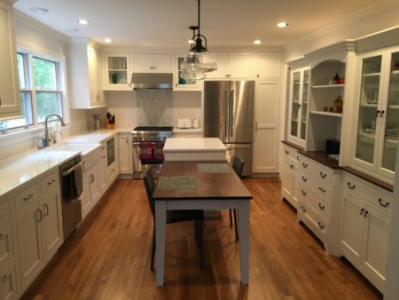 Some Of The Photos Even Illustrate Simple Reface Projects Customeru0027s  Installed Themselves, Bringing New Life To An Old Kitchen Simply By  Refacing Their ...